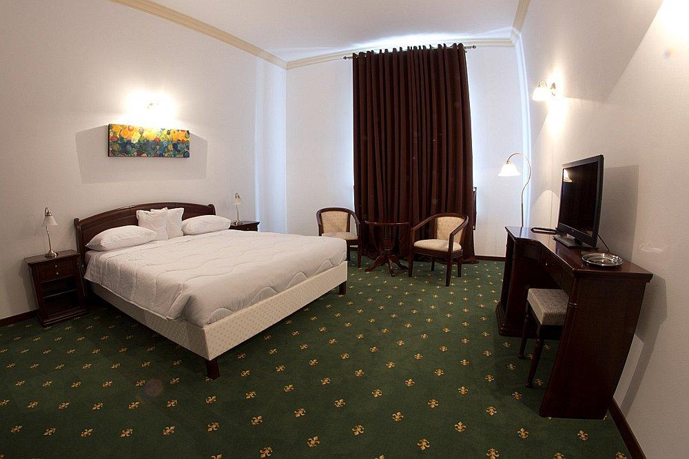 20 de pensiuni si hoteluri frumoase din alba iulia. Black Bedroom Furniture Sets. Home Design Ideas
