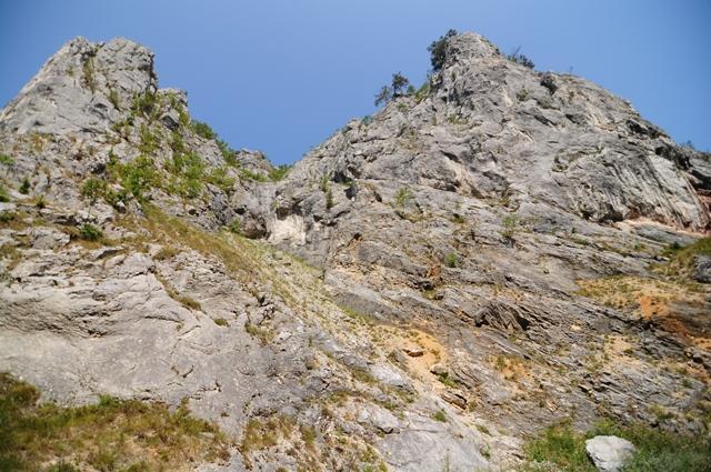 Stânci în Cheile Întregalde / Sursă foto: Florian-Rareș Tileagă