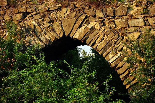 Resturi de altădată, la Săsciori / Sursa foto: Florian-Rareș Tileagă