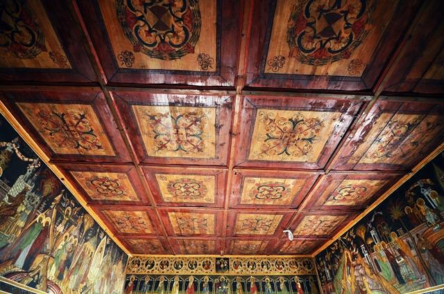 Tavanul pictat al bisericuței / Sursa foto: Florian-Rareș Tileagă